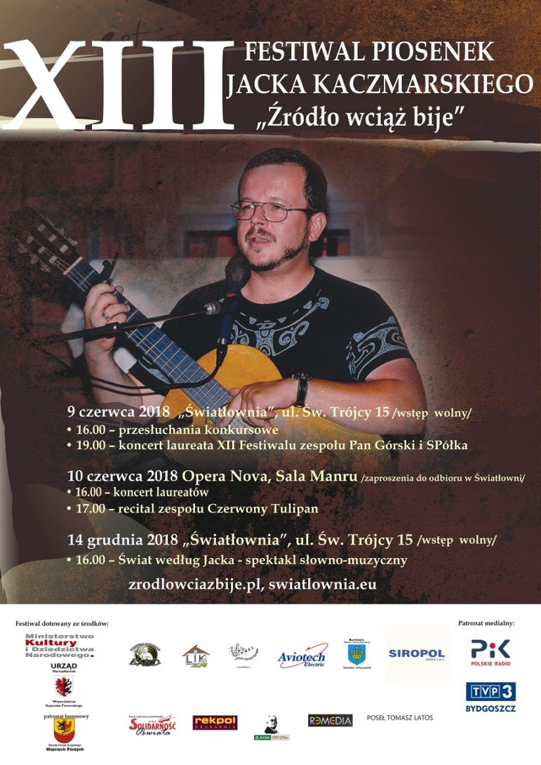 """Plakat XIII Festiwalu piosenek Jacka Kaczmarskiego """"Żródło wciąż bije"""""""